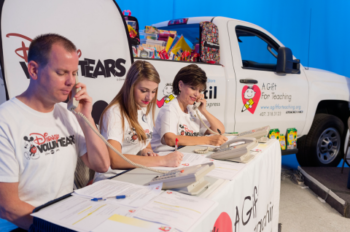 Disney Parks VoluntEARS Help Families Prepare For Back-to-School