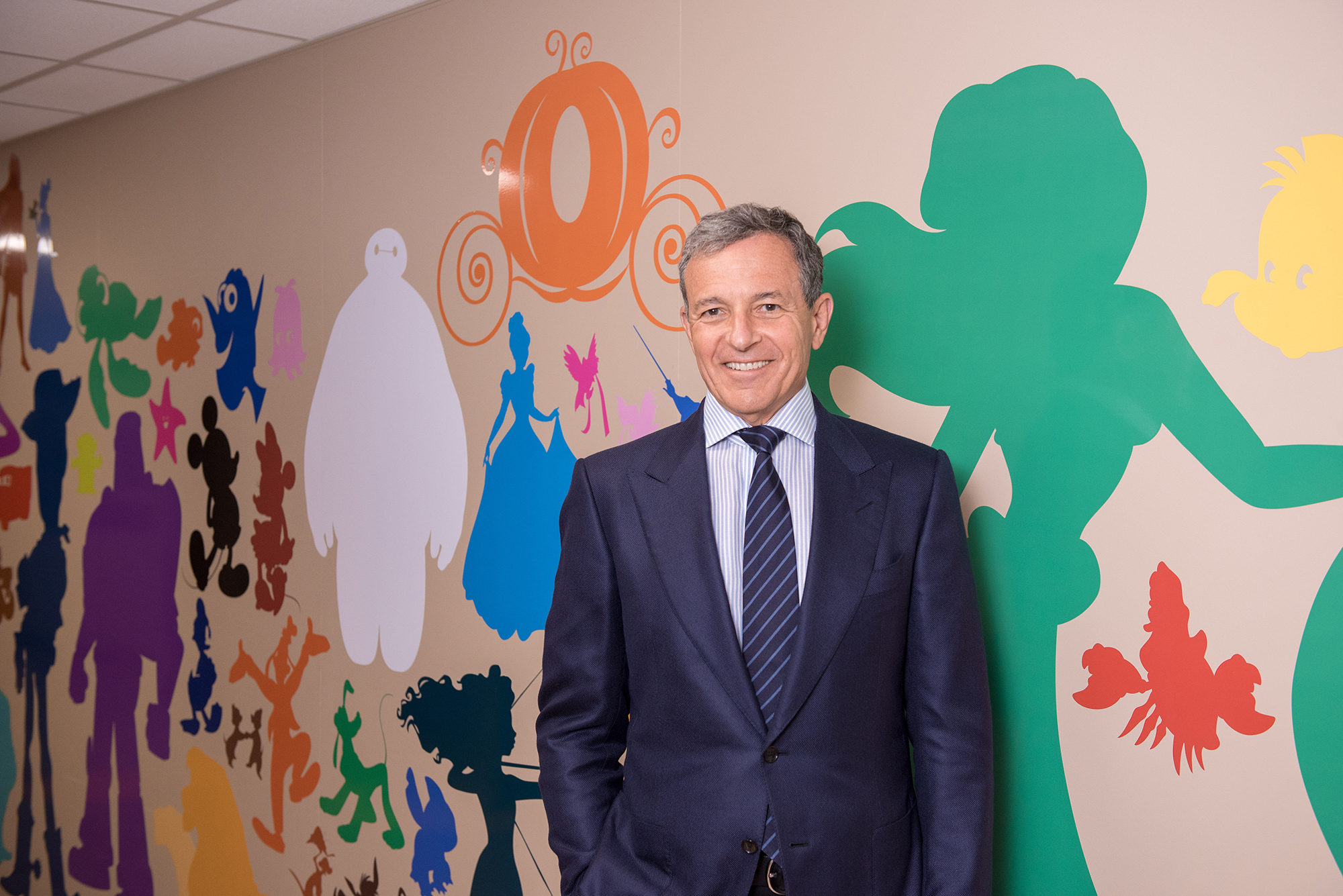 Bob Iger Dedicates Disney Murals At Blank Children S
