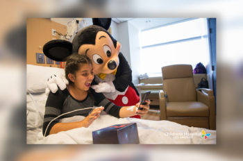 Disney Leaders and VoluntEARS Pay a Special Visit to Children's Hospital Los Angeles
