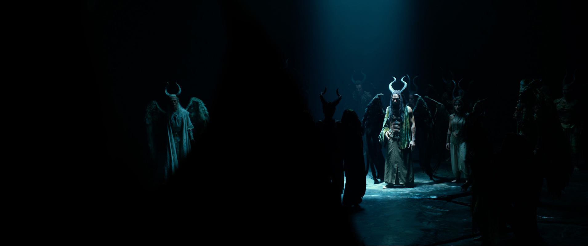 Costumes Are A Force Of Nature In Maleficent Mistress Of