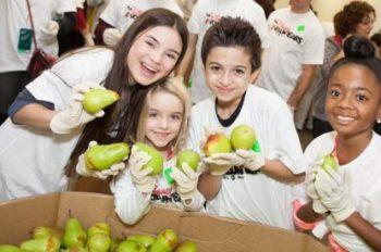Disney Takes Part in Family Volunteer Day
