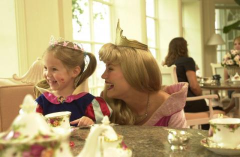 Images_WDW_My-Disney-Girls-Perfectly-Princess-Tea-Party_2006_03_15