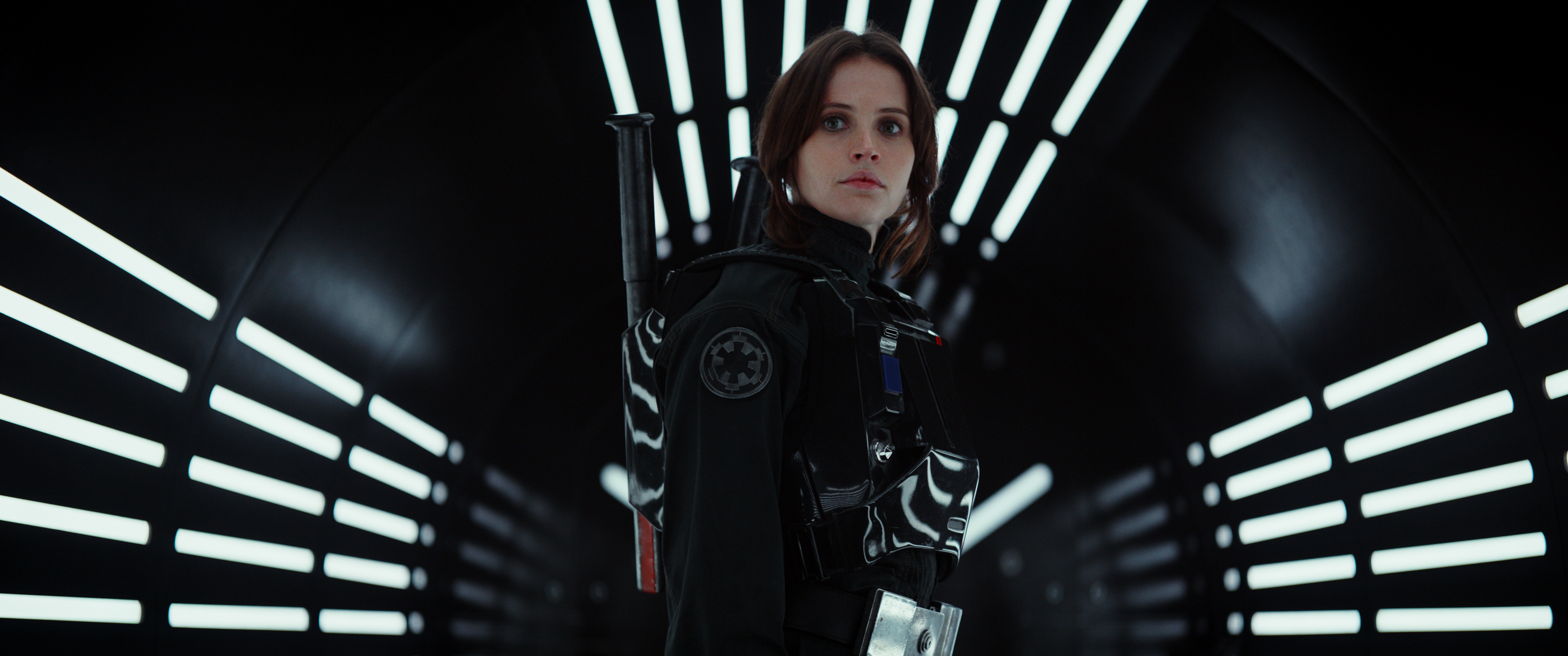 Rogue One: A Star Wars Story..(Felicity Jones)..Ph: Film Frame..© 2016 Lucasfilm Ltd. All Rights Reserved.