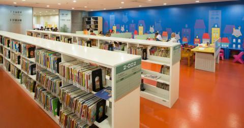 Shanghai-Disney-Resort-Creates-Disney-Reading-Corner-for-Young-Readers--...