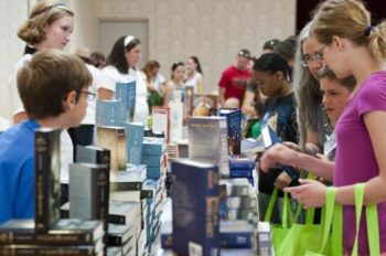 Disney Donates 30,000 Books in Support of U.S. Military Families