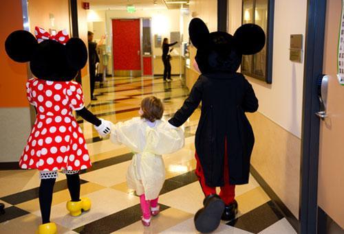 Children's Hospital Los Angeles Honors The Walt Disney ...