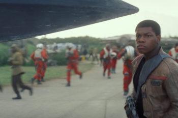 """Star Wars: The Force Awakens"" Crosses $1 Billion at Light Speed"